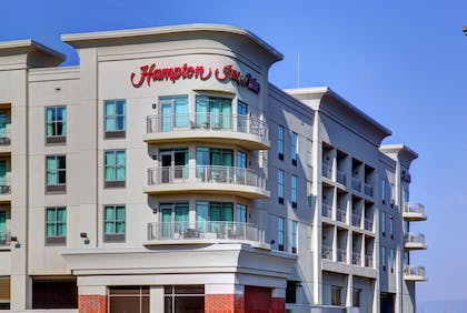 Exterior | Hampton Inn and Suites Roanoke-Downtown