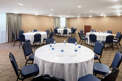 Meeting Room | DoubleTree by Hilton Hotel Cleveland - Westlake