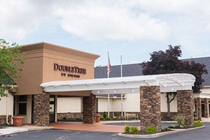Exterior | DoubleTree by Hilton Hotel Cleveland - Westlake