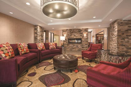 Reception | Homewood Suites By Hilton Ankeny