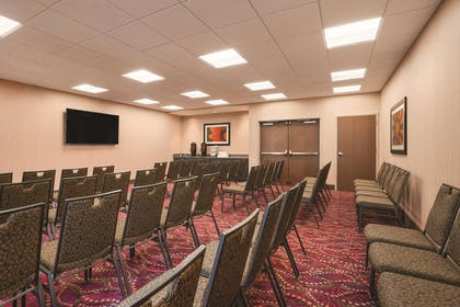 Meeting Room | Homewood Suites By Hilton Ankeny