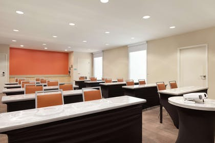Meeting Room | Home2 Suites by Hilton Seattle Airport