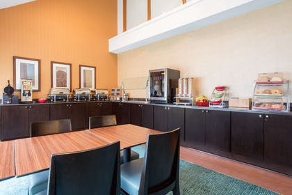 Breakfast Area | Hawthorn Suites by Wyndham Atlanta Perimeter Center