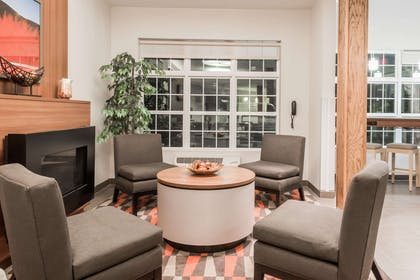 Lobby | Microtel Inn and Suites by Wyndham Sweetwater