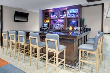 Bar Lounge | HYATT house Sterling/Dulles Airport-North