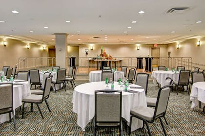 Meeting Room | Hilton Mississauga/Meadowvale