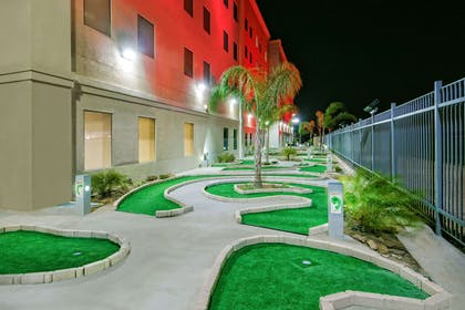 Mini Golf | Hawthorn Suites By Wyndham McAllen