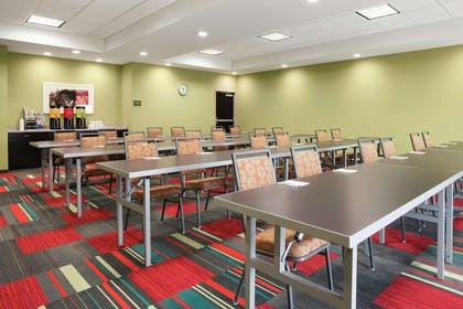Restaurant | Home2 Suites by Hilton Knoxville West