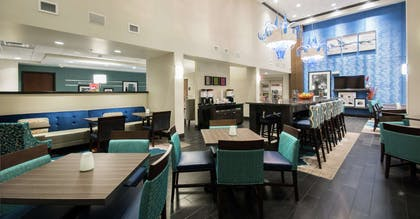 Lobby | Hampton Inn & Suites Orlando At SeaWorld