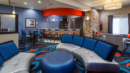 Bar and Lounge | Best Western Plus Ardmore Inn & Suites