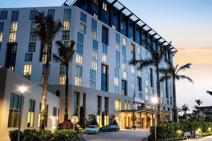 Exterior | Hilton West Palm Beach