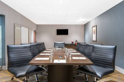 Meeting Room | Wingate by Wyndham Niagara Falls