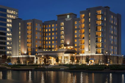Exterior | Embassy Suites by Hilton The Woodlands at Hughes Landing