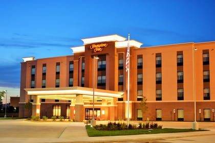 Exterior | Hampton Inn Lincoln Airport