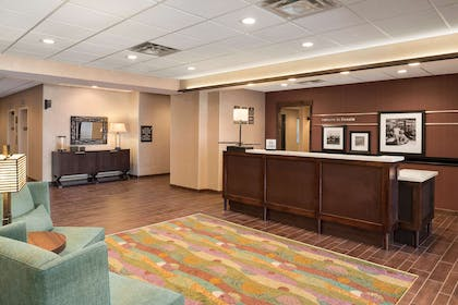 Reception | Hampton Inn Lincoln Airport