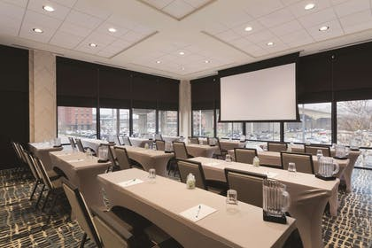 Meeting Room | Homewood Suites by Hilton Pittsburgh Downtown
