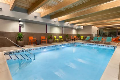 Pool   Home2 Suites by Hilton Champaign / Urbana