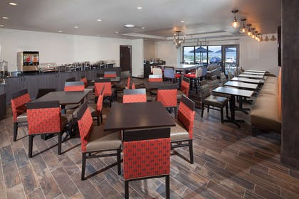 Red Lion Polson Breakfast Area | Red Lion Inn & Suites Polson