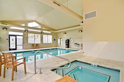 24 Hour Swimming Pool and Hot Tub | Best Western Plus Fossil Country Inn & Suites