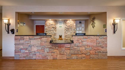 Front Desk | Best Western Plus Fossil Country Inn & Suites