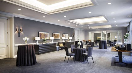 Meeting Room | The Logan Philadelphia, Curio Collection by Hilton