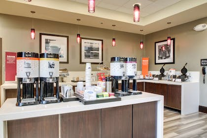 Restaurant | Hampton Inn & Suites Greenville Airport