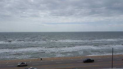 Beach View | Best Western Plus Galveston Suites