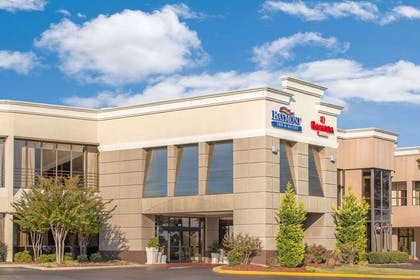Exterior | Ramada Plaza by Wyndham Fayetteville Fort Bragg Area