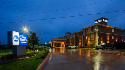 Welcome to the Best Western Bowie Inn & Suites! | Best Western Bowie Inn & Suites