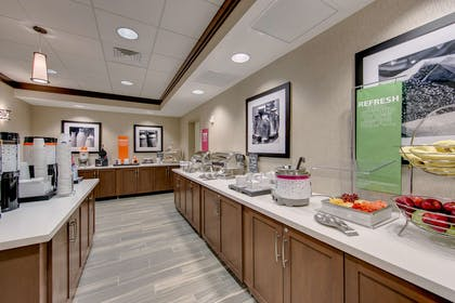 Restaurant | Hampton Inn & Suites North Houston Spring