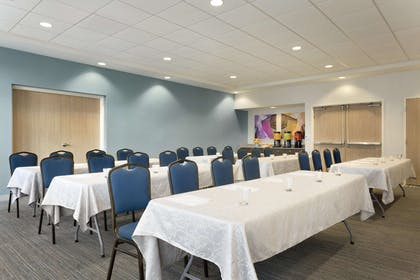 Meeting Room | Home2 Suites by Hilton Milton Ontario