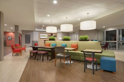 Lobby | Home2 Suites by Hilton Tallahassee State Capitol