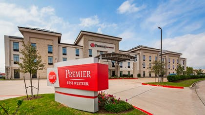 Welcome to the Best Western Premier Energy Corridor! | Best Western Premier Energy Corridor