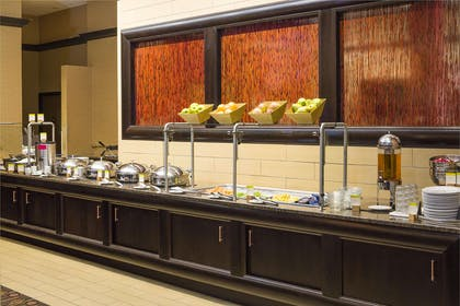 Breakfast Area | DoubleTree by Hilton Hotel Boston-Andover