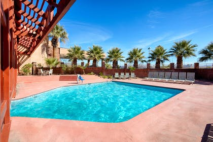 UTSTGE Pool | Red Lion Hotel & Conference Center St. George, UT