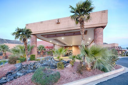UTSTGE Exterior | Red Lion Hotel & Conference Center St. George, UT