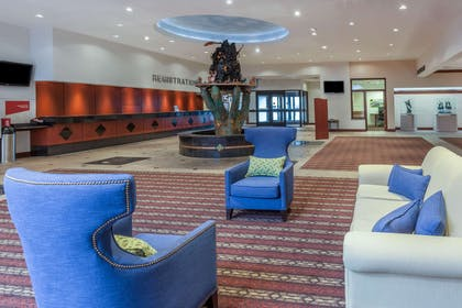 Lobby | Wyndham Garden Sterling Heights