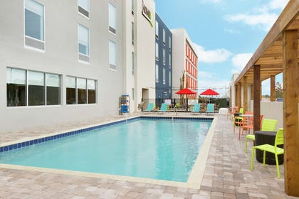 Pool | Home2 Suites by Hilton Orlando/International Drive South