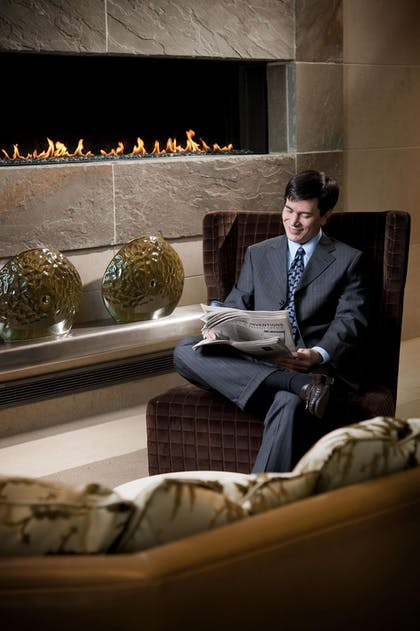 Lobby Fireplace | Fairmont Pittsburgh
