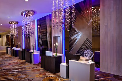 Front Desk | Swissotel Chicago