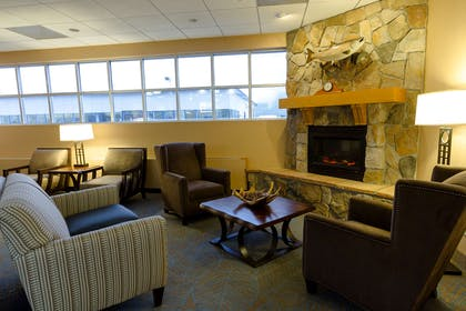 Lobby Seating Area | GuestHouse Anchorage