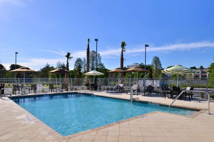 Pool | Hampton Inn & Suites Orlando/Downtown South - Medical Center