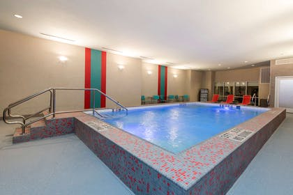Pool | Home2 Suites by Hilton Indianapolis Downtown