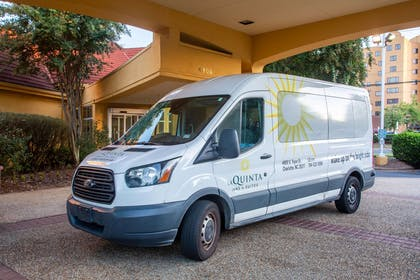 Property amenity | La Quinta Inn & Suites by Wyndham Charlotte Airport South