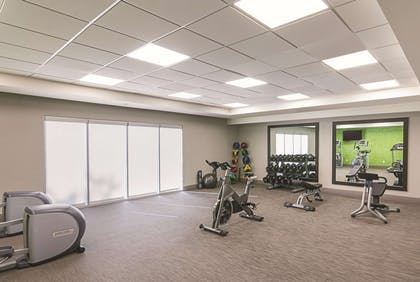 Health club | La Quinta Inn & Suites by Wyndham Orlando UCF