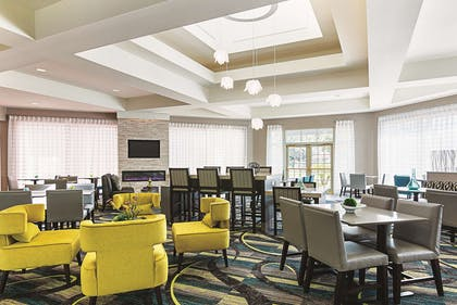 Property amenity | La Quinta Inn & Suites by Wyndham Orlando UCF