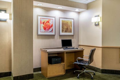 Business Center | La Quinta Inn & Suites by Wyndham Greensboro NC