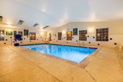 Pool | La Quinta Inn & Suites by Wyndham Spokane Valley