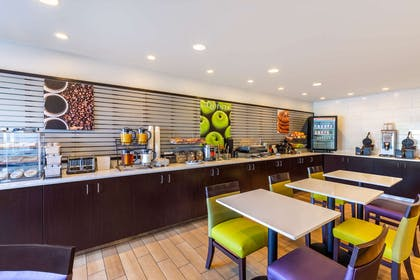 complimentary breakfast | La Quinta Inn & Suites by Wyndham Spokane Valley