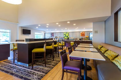 bar lounge | La Quinta Inn & Suites by Wyndham Spokane Valley